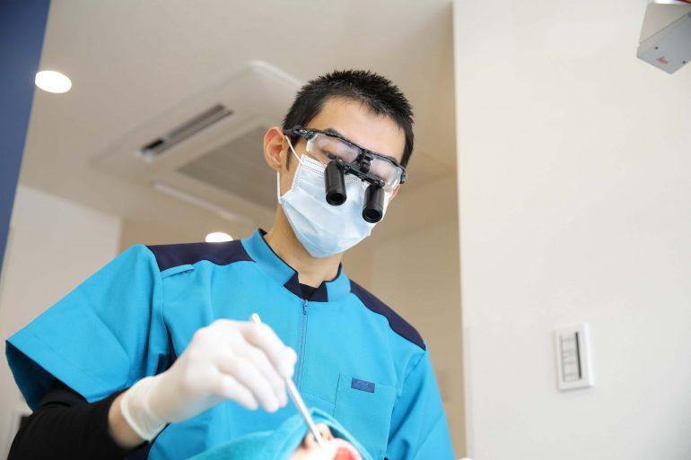 拡大鏡を使った治療と予防